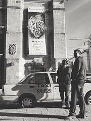 Mupo (Marcos Núñez Núñez) Tags: streetphotography street blackandwhite blancoynegro bw taxi fotografíacallejera calle edificios
