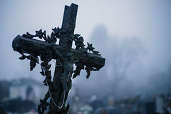 Montbarrey (France 2019) (theodirector) Tags: cemetery grave cross graveyard monuments crosses jesus religion fog fogged foggy mist misty cold winter graves montbarrey jura death horror creepy horrormovie glaucous