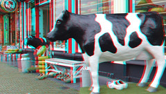 Markt Delft 3D (wim hoppenbrouwers) Tags: anaglyph stereo redcyan markt delft 3d cow koe kaas winkel shop street shops