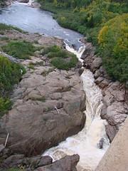 PREMIÈRE CHUTE DE LA RIVIÈRE TORTUE (Yvan Boudreault) Tags: chute cascade waterfall water eau landscape paysage