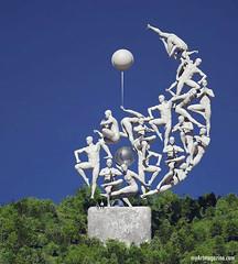 Outdoor Sculpture Idea (creativeneel) Tags: art sculpture outdoorsculpture artwork