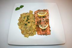 42 - Honey garlic glazed salmon with leek lentil vegetables - Served / Lachs mit Honig-Knoblauch-Glasur an Lauch-Linsen-Gemüse - Serviert (JaBB) Tags: salmon lachs salmonfilet lachsfilet honig honey garlic knoblauch lauch leek linsen lentils kartoffeln potatoes zitrone lemon sahne cream gemüsebrühe vegetablebroth food fish fischlunch dinner essen nahrung nahrungsmittel mittagessen abendessen kochen cooking rezept recipe kochexperiment kochexperimente