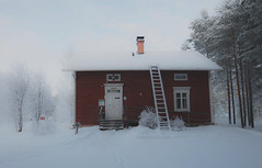 World Raitti (liuskaa) Tags: building house cottage attraction museum residence old winter snow cold forest