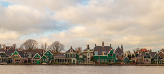 Traditional wooden houses on the Zaan (jan.vd.wolf) Tags: zaan zaandijk woodenhouses traditionalhouses cityscape city greenhouses outside outdoor architecture building houses thenetherlands