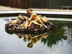 Bacchus (jdel5978) Tags: bacchus fontaine fountain gold or raisin grapes