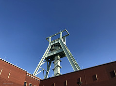German Coal Mining Museum, Bochum ; the headstocks - headframes (mikeyashworth) Tags: germany deutschland bochum winterday northrhinewestphalia november2019 mikeashworthcollection deutschesbergbaumuseum ruhrgebeit germancoalminingmuseum mining coal headframe coalmining headstocks ruhrgebiet