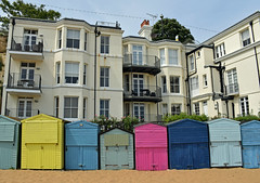 Beach huts (SteveInLeighton's Photos) Tags: england stephenmakin kent 2019 nikond3300 july broadstairs beachhut