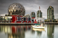 Telus World of Science (Fabien Georget (fg photographe)) Tags: vancouver scienceworld canoe bluehour skyline canada water sea sun landscape paysage sky ayezloeil beautifulearth bigfave canon elitephotography elmundopormontera eos fabiengeorget fabien fgphotographe flickr flickrdepot flickrunited georget geotagged flickunited winter mordudephoto hour sunset blue heure bleue eau waterscape bateau 5d fullframe mark iii