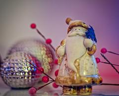 A Bit of Festive Bokeh (Dave Sexton) Tags: christmas santa fatherchristmas berries silver balls white pink mauve bokeh pentax smc 50mm f17 panasonic lumix s1r dxo photolab viviza affinityphoto