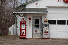 Newtonville  Ontario - Canada - Texaco Collectibles - Private (Onasill ~ Bill Badzo - New Format) Tags: private attraction museum red green signs fuel oshawa county onasill newspaper statesman canadian distributor skelding william historic landmark easternontario two 2 hwy vintage pumps gasoline garage newton ontario ont canada fire chief