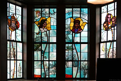 Hungarian history in stained glass (Can Pac Swire) Tags: pittsburgh universityofpittsburgh university campus classroom nationality rooms pennsylvania usa us unitedstates america american stained glass window hungarian 2018aimg4474b