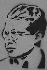 Weimar citty graffiti Man (Marco Braun) Tags: streetart graffiti urbanart buntfarbig coulour color bunt weimar germany deutschland thüringen chwarz weiss white black noire blue bleu blau portrait mann homme man bauhaus