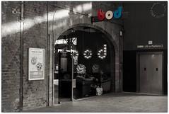 Bod (zweiblumen) Tags: bod titanicbrewery bar cafe inn pub tavern stokeontrent staffordshire england uk monochrome canoneos50d polariser zweiblumen