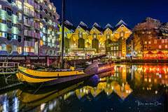 Old Harbor (Ellen van den Doel) Tags: nacht night netherlands kubuswoningen stars avond city outdoor licht evening light rotterdam november stad oudehaven boat architecture kubus boot 2019 nederland haven zuidholland