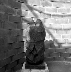 Untitled (1971) - Vasco Pereira da Conceição (1914-1992) (pedrosimoes7) Tags: vascopereiradaconceição escultor escultorportuguês escultura sculptor portuguesesculptor mármore marble caloustegulbenkianmuseum lisbon portugal