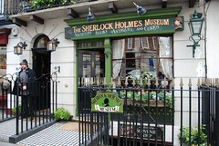 Sherlock Holmes Museum, 221B Baker Street, London (Scott Mundy) Tags: london sherlock holmes museum 221b baker street geotagged green travel