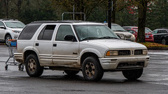 Oldsmobile Bravada (mlokren) Tags: 2019 car spotting photo photography photos pic picture pics pictures pacific northwest pnw pacnw oregon usa vehicle vehicles vehicular automobile automobiles automotive transportation outdoor outdoors gm general motors olds oldsmobile bravada suv white