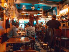 Em algum lugar da Argentina (cleide isabel) Tags: buenosaires street estrada ruas argentina bar color