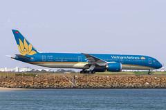 VN-A867 B789 VIETNAM AIRLINES YSSY (Sierra Delta Aviation) Tags: vietnam airlines boeing b789 sydney airport yssy vna867