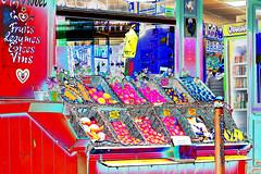 Hedelmäkauppa (www.ilkkajukarainen.fi) Tags: fruit shop hedelmä kauppa paris pariisi visit travel travelling happy life line photography fotography colour bright värikäs väri kirkas appelsiini omena apple kori basket market mini