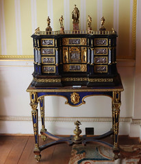 Ebonised Table Cabinet (Terry Hassan) Tags: hintonampner house museum home stately hampshire table cabinet antique porcelain figurine ceramic art sculpture linsomnie