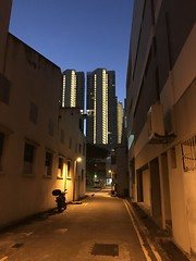 Evening... (QKenneth) Tags: singapore smartphonephotography mobilephotography eveningphotography evening alley