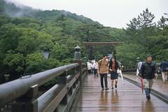 It was rainy. however it was not so bad. (Gemini st.) Tags: ernstleitzwetzlar fujichrome leica m3 mie summitarf5cm12 film provia100f 伊勢神宮
