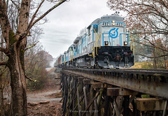 FIMX 4021 - Ozone, TN (Wheelnrail) Tags: ozone tn fimx lhoist north america b237 high hood southern ge locomotive railroad rail road rails trestle fog tennessee wood trees fall autumn