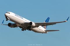 United Airlines B767-322ER N663UA (José M. Deza) Tags: 20190111 b767322er bcn boeing elprat lebl n663ua planespotting spotter unitedairlines aircraft