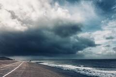 dark clouds (Jos Mecklenfeld) Tags: clouds wolken thunderstorm gewitter onweer storm sea meer zee dike deich dijk northsea nordsee noordzee huisduinen noordholland netherlands niederlande nederland