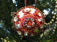 Hand Beaded Red, Burgundy and Silver Floral Christmas Bauble (raaen99) Tags: sequincoveredchristmasbauble sequincoveredchristmasball handmadechristmasbauble handmadechristmasball handmade handmadechristmasgift gift christmasgift bauble ball christmastheme christmasthemed ribbon christmasbauble christmasball christmastree christmasdecoration handbeaded handsequined decoration tree sequin pin shiny matte seasonsgreetings christmas2019 merrychristmas festive celebration flower flowersequin floralsequin starsequin star red cherryred redsequin cherryredsequin burgundysequin burgundy silver silversequin