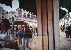 Rialto reflection (kareszzz) Tags: rialto reflection italy venezia venice europe streetphotography people urbanphotography pontedirialto rivadelvin grandcanal