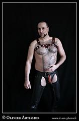 Matthieu Paris - 29 (L'il aux photos) Tags: homme nudité nu masculin mâle man nude naked cuir leather