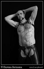 Matthieu Paris - 28 (L'il aux photos) Tags: homme nudité nu masculin mâle man nude naked cuir leather