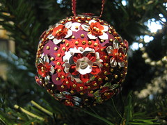 Hand Beaded Red, Burgundy and Silver Floral Christmas Bauble (raaen99) Tags: sequincoveredchristmasbauble sequincoveredchristmasball handmadechristmasbauble handmadechristmasball handmade handmadechristmasgift gift christmasgift bauble ball christmastheme christmasthemed ribbon christmasbauble christmasball christmastree christmasdecoration handbeaded handsequined decoration tree sequin pin shiny matte seasonsgreetings christmas2019 merrychristmas festive celebration flower flowersequin floralsequin starsequin star burgundy burgundysequin red cherryred redsequin cherryredsequin silver silversequin