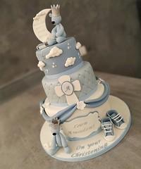 Una torta speciale per un evento speciale! ❤️ . . #blu #blue #bluesky #cake #christening #christeningcake #christeningday #bluecake #cake #cakedecorator #caketutorial #cakelove #cakery #cakeporn #cakesicles #cakepops #paolaazzolina #torta #white #ba (paolaazzolina) Tags: christening cakelove cakedecorator caketutorial cakery bluesky blu bluecake jlo littleprince paolaazzolina battesimo cakepops torta blue white cake christeningday cakeporn realprince cakesicles christeningcake prince