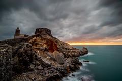 PORTOVENERE-CASTELLO (sciatore73!) Tags: sunset tramonto sea mare ocean liguria portovenere k1 pentax irix landscape paesaggio clouds nubi seascape byron