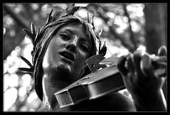 La violoniste dans le parc de la Villa Palauda (bleumarie) Tags: 19èmesiècle automne2019 décembre2019 lesaspres mariebousquet monumenthistorique nikond90 patrimoinearchitectural suddelafrance villapalauda 2019 architecture automne balade batisse bleumarie byrrh catalogne château décembre languedocroussillon méridional nature nikon occitanie parc patrimoine paysage promenade pyrénéesorientales roussillon sud thuir village