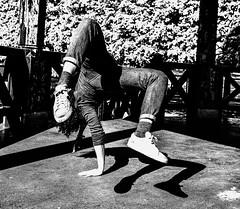 La Danseuse et son ombre. (LACPIXEL) Tags: nati naticapdevila dancer danseuse bailarina dance danse bailar ombre shadow sombra souplesse flexibilidad suppleness nikon noiretblanc flickr lacpixel
