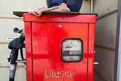 _DSC2613 (Ghostwriter D.) Tags: munich bavaria germany city nikond600 waldperlach sand sandpit diesel red