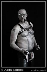 Matthieu Paris - 30 (L'il aux photos) Tags: homme nudité nu masculin mâle man nude naked cuir leather