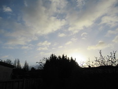 Sunday, 8th, Starting with sunshine IMG_3558 (tomylees) Tags: essex morning winter december 2019 8th sunday weather sky clouds sunshine