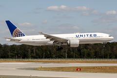 N27015 (PlanePixNase) Tags: frankfurt fra eddf airport aircraft planespotting united 777 777200 b772 boeing 772
