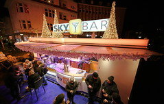 oldenburg XMAS MOTIVE foto by OlDigitalEye 2019 12 0151 (oldigitaleye) Tags: peterporikis oldigitaleye deutschland germany niedersachsen lowersaxony oldenburg canon sigma 3lt sirui manfrotto weihnachtsmarkt xmas lambertimarkt cityskyliner skibar skyliner weihnachten markt part people event christmas
