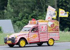 Caravane Publicitaire Tour de France 2019 (gimbellet) Tags: canon nikon auto automobiles véhicules voiture cars camion car motor transport transportation extérieur france french pub publicité publicity