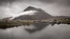 Mist Covered Mountains (Robgreen13) Tags: wales snowdonia tryfan mountains mist rain landscape llynidwal