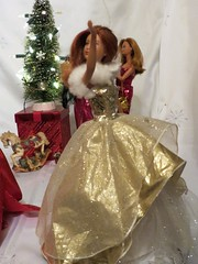 I like white Light and silver/white Things that sparkle (marieschubert1) Tags: barbie doll mattel week christmas 2019 tree lights bright white silver snow flakes shiny glitter sparle