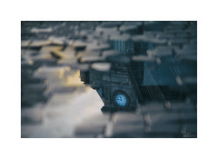 ... (ángel mateo) Tags: estacióndesãobento portugal calle porto reflejo reloj oporto charco empedrado ángelmartínmateo ángelmateo street urban reflection clock sunrise puddle amanecer stoned urbano sãobentostation