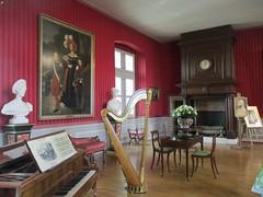 Salon de musique (Sur mon chemin, j'ai rencontré...) Tags: amboise 37 indreetloire centrevaldeloire france château châteaudamboise monumentshistoriques 1840 salondemusique lesappartementsorléans tourdesminimes louisphilippe ferdinandphilippe
