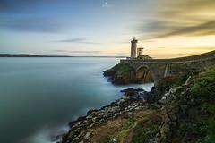 Le petit minou (SB29400) Tags: phare phareduminou plouzané bretagne finistère rocher rocherdufinistère poselongue mer sunset blue